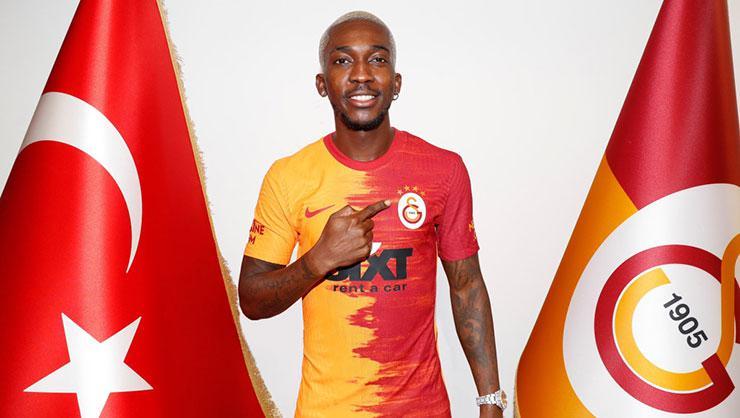 Onyekuru Galatasaray'da yıldızlaşıyor!