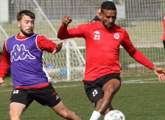 Antalyaspor yıllar sonra Başakşehir'i yenmek istiyor