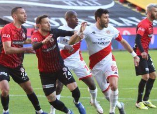 Antalyaspor kaybetmiyor! Yenilmezlik 10, beraberlik 4 maç!