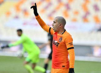 Galatasaray'da Feghouli geri döndü!