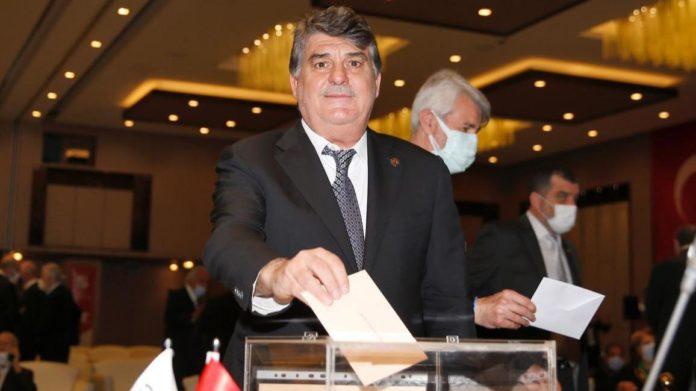 TJK'da Serdal Adalı yeniden başkan seçildi