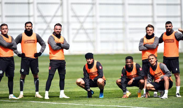 Konyaspor'da 2 oyuncu cezalı, 4 oyuncunun da sakatlığı sürüyor