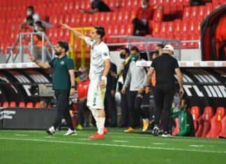 Konyaspor Teknik Direktörü İlhan Palut'tan oyuncularına övgü