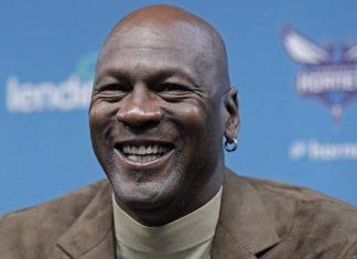 Michael Jordan'ın forması 1,38 milyon dolara satıldı