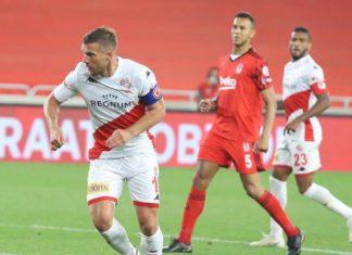 Antalyaspor'dan ayrılan Lukas Podolski sitem etti: Çok yazık!