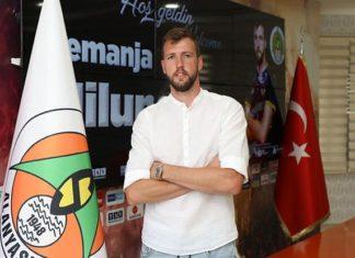 Alanyaspor'da Steven Caulker'un boşluğunu Nemanja Milunovic dolduracak