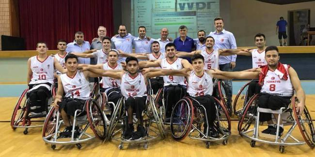 Genç basketbolcular Avrupa Şampiyonası'na hazır
