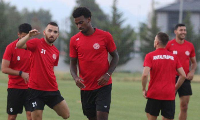 Antalyaspor'da Haji Wright ilk antrenmanına çıktı