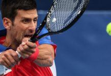 Novak Djokovic rahat turladı