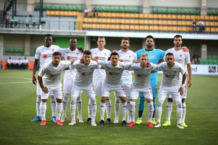 Sivassporlu taraftarlardan Petrocub maçına yoğun ilgi