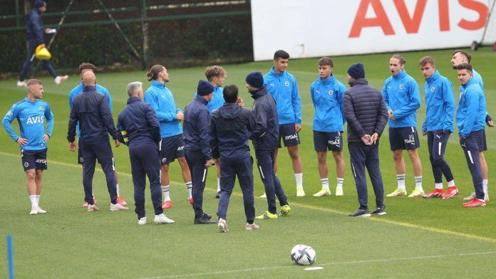Fenerbahçe'de Trabzonspor hazırlıkları sürüyor
