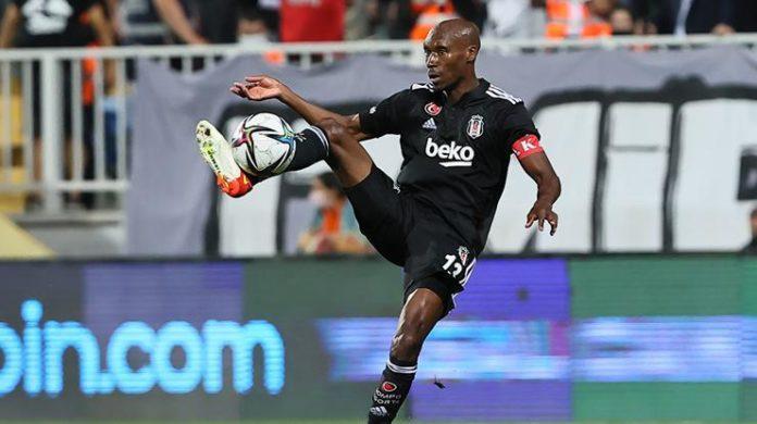Beşiktaş'ta Atiba Hutchinson'a yeni görev!